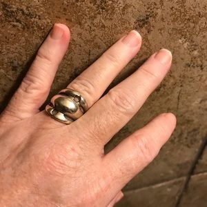Vintage Jewelry - vintage sterling silver unique Ring size 8